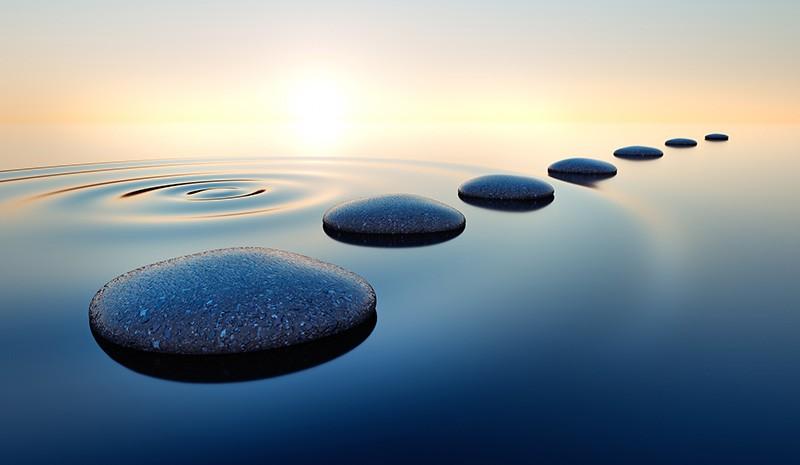 Steine im Wasser - Tschirschnitz Psychotherapie für Kinder, Jugendliche, Erwachsene